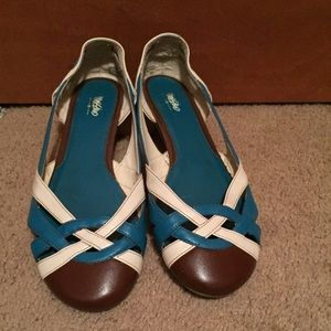 Women leather shoes ballet flat size 9,5M pull on